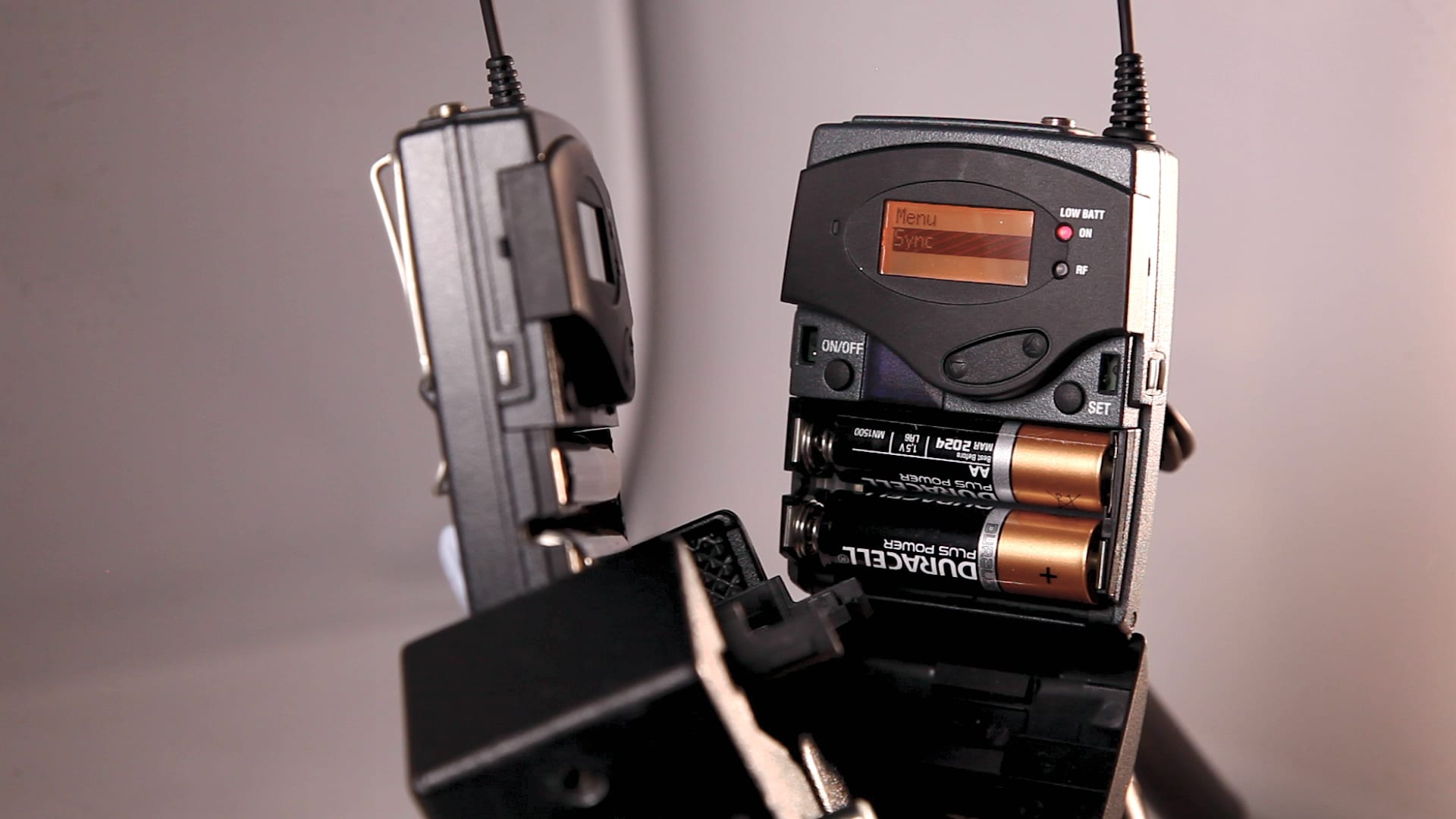How to Connect a Sennheiser G3 Wireless system to a Zoom H4n 5