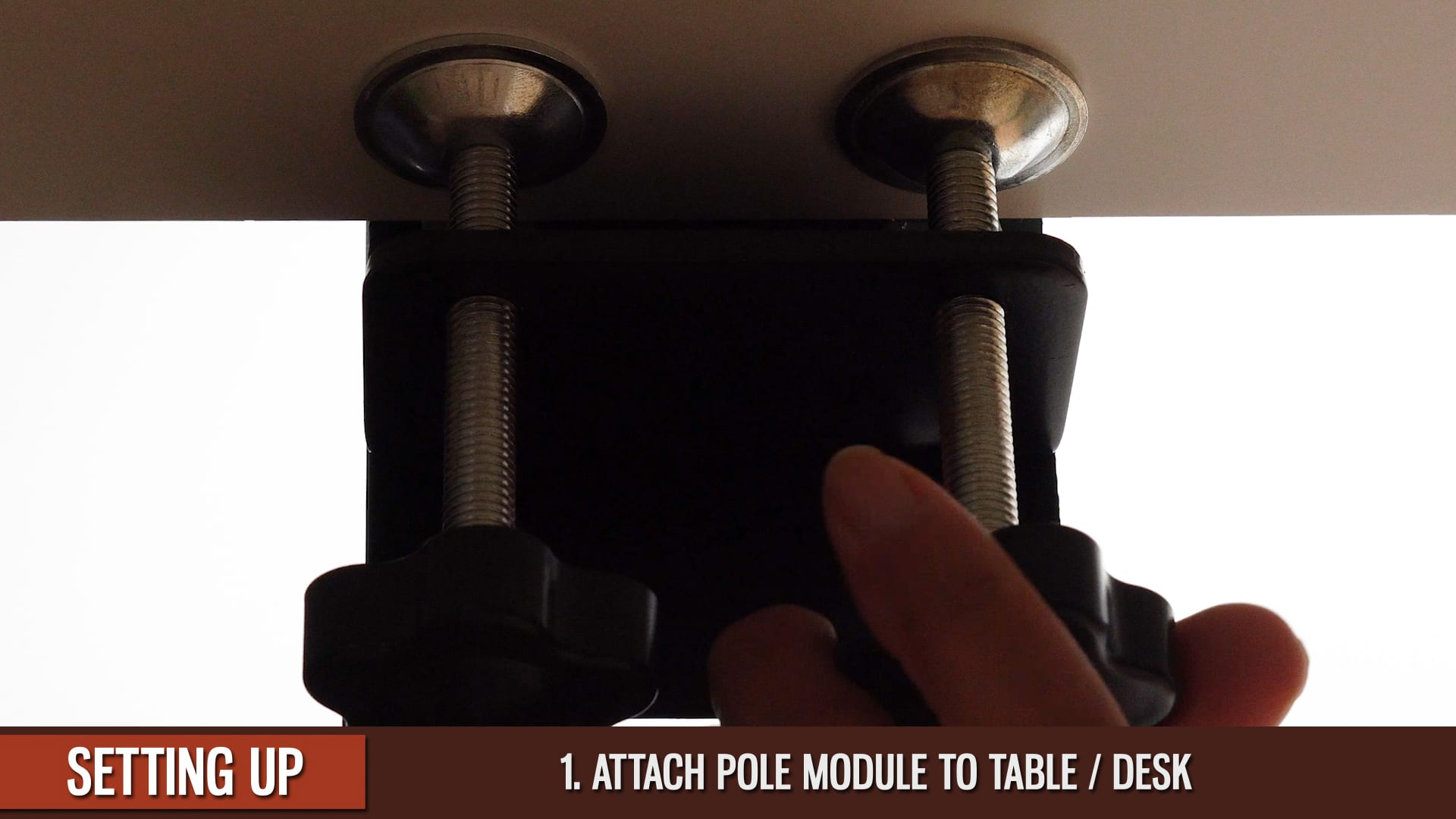 IPhone-Overhead-Attach-Pole-Module